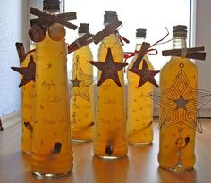 Apple - cinnamon - liqueur, a nice recipe with a picture from the liqueur category. - Apple – cinnamon – liqueur, a nice recipe with a picture from the liqueur category. Winter Drinks, Winter Food, Liqueur, Diy Presents, Schnapps, Cinnamon Apples, Food Gifts, Cocktail Drinks, Homemade Gifts