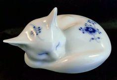RARE Royal Copenhagen Blue Fluted Sleeping Kitten | eBay (xander34)