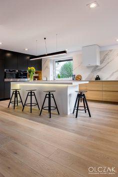 Facebook, Table, Furniture, Home Decor, Homemade Home Decor, Mesas, Home Furnishings, Desk, Decoration Home
