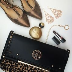 purses and shoes