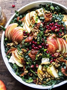10 Thanksgiving Salads So Good They'll Rival Your Favorite Side Dish 10 Thanksgiving Salads So Good They'll Rival Your Favorite Side Dish<br> Move aside, mashed potatoes. These Thanksgiving salads are so good they'll rival your favorite side dish Thanksgiving Appetizers, Thanksgiving Side Dishes, Green Salad For Thanksgiving, Healthy Thanksgiving Recipes, Thanksgiving Turkey, Holiday Recipes, Dinner Recipes, Healthy Side Dishes, Gastronomia
