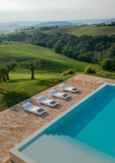 Wow I want to be at this gorgeous pool (Casa Olivi in Italy)