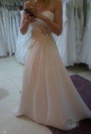 Menyasszonyi ruhapróba az Eternity Szalonban