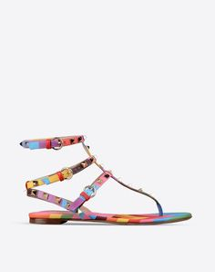Metal Applications,Multicolor Pattern,Buckle,Leather/rubber sole,Round toeline,Flat heel,