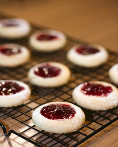 Raspberry melting moments cookies