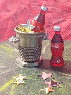 Miniature Ice Bucket made from a vintage patinad thimble. Miniature cokes and stars not included. Flowery Branch, Moroccan Theme, Canister Sets, Tiny Treasures, Thimble, Repurposed, How To Find Out, Scale, Bucket