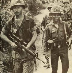Brendan Fraser The Mummy, Battlefield Vietnam, American Exceptionalism, Rare Historical Photos, Vietnam War Photos, Steve Mccurry, Army Veteran, 1975, Tough Guy