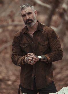 Classic lambskin leather shirt, and a longer style keep me warm and stylish all winter long. White Shirt And Blue Jeans, Mens Hairstyles With Beard, Leather Suspenders, Mens Leather Shirt, Denim Shirt Men, Mens Fall, Bearded Men, Sexy Men, Autumn Fashion