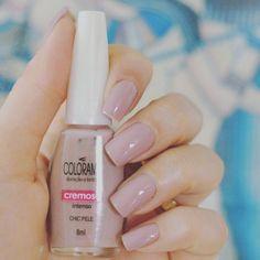 Sugestão d e esmalte para pibtar as unhas: #chicpele da Colorama !