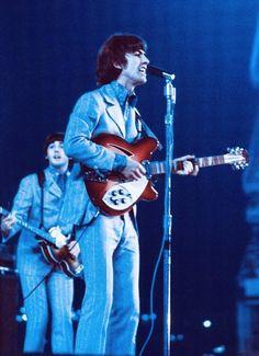 Happy Birthday George, The Beatles Live, All My Loving, Beatles Band, Beatles Photos, Himym, Ringo Starr, George Harrison, Rare Photos