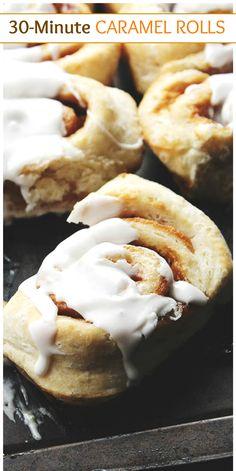 30 Minute Caramel Sweet Rolls-- Part of 30 The Best Breakfast Sweet Rolls Recipes Flan, Bread Recipes, Baking Recipes, Filet Mignon Chorizo, Just Desserts, Dessert Recipes, Brunch Recipes, Breakfast Recipes, Caramel Rolls