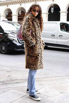 おしゃれローカルを探せ! 海外ストリートスナップ:パリ - おしゃれローカルを探せ! 海外ストリートスナップ | VOGUE GIRL Punk Fashion, Fashion Outfits, Womens Fashion, Leopard Print Coat, Daily Fashion, Passion For Fashion, Winter Fashion, Cute Outfits, Street Style