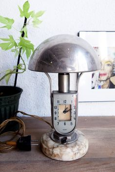 Art deco table lamp alarm clock