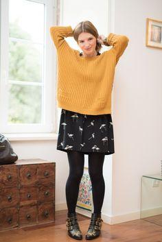 Un pull jaune! Susanna Boots, Simple Outfits, Fall Outfits, Casual Outfits, Fashion Outfits, Black Wardrobe, Inspiration Mode, Fashion Seasons, Belle De Jour