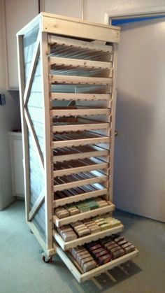 Soap Drying Rack 08 Source by sureshsubbaraya The post Soap Drying Rack 08 appeared first on Soap. Handmade Soap Packaging, Handmade Soap Recipes, Soap Making Recipes, Handmade Soaps, Diy Savon, Soap Shop, Soap Making Supplies, Diy Molding, Soap Molds