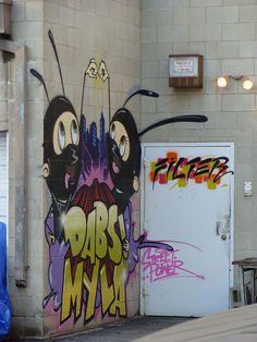 wohnzimmer wandtattoos im graffiti-stil banksy | wanddekoration, Hause deko