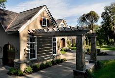 Garage and drive through pergola - Crisp Architects
