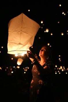 Everything you need to know before you go to The Lights Fest, a traveling lantern festival. Festival Photography, Light Photography, Amazing Photography, Portrait Photography, Travel Photography, Floating Lanterns, Sky Lanterns, Wedding Lanterns, Light Fest