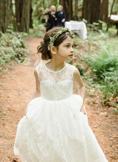 Free Shipping High Quality Vintage Ivory Lace Flower Girl Dress