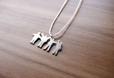 Help! The Beatles necklace (silver) by Gláucia Pietrobon