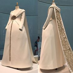 """For #WeddingWednesday - Don't know why I haven't shared this earlier! This magnificent Chanel wedding ensemble was the centerpiece of the Manus X Machina exhibition @metmuseum earlier this year. It was the showstopper dress from Chanel's autumn/winter 2014-15 collection, and never worn by a real bride. It's an amazing mix of scuba knit, silk satin, hand-embroidered crystals, and gold leather motifs. That train must have stretched at least 30 feet.... """"Wedding Ensemble"""" Karl Lagerfeld for… Chanel Wedding Dress, Wedding Dresses, Couture Details, High Fashion, Womens Fashion, Queen, Beautiful Gowns, Fashion History, Cool Outfits"""