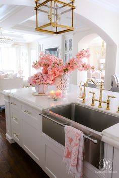 With the change of the season, many homeowners feel inspired to decorate and remodel their homes. To help you with your spring interior design efforts, I share my top ten decorating tips and tricks to help you decorate like a pro! Dream Home Design, Home Interior Design, House Design, Interior Design Farmhouse, Interior Decorating Styles, Home Decor Kitchen, Home Kitchens, Kitchen Pantry Design, Gold Kitchen