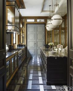 Interior design extraordinaire, Jean-Louis Deniot, has created yet another stunning Paris home that's fit for royalty. Home, Paris Home, Paris Apartments, Luxury Kitchens, Interior Design Kitchen, House Interior, Elle Decor, French House, Kitchen Design