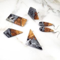 Resin and Wood Jewelry. Pendants, Earrings and ring. Epoxy Wood Necklaces. Jewelry Handmade by WoodAllGood. #WoodAllGood