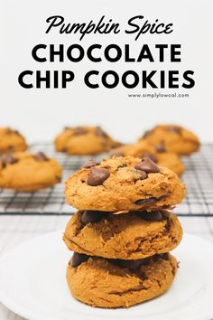 Pumpkin spice chocolate chip cookies are perfect for the Fall season. Simple and delicious recipe.   Simply Low Cal @simplylowcal #pumpkinspice #chocolatechip #pumpkinspicecookies #cookierecipe #pumpkinspicerecipe #simplylowcal