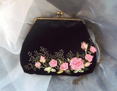 Wonderful Ribbon Embroidery Flowers by Hand Ideas. Enchanting Ribbon Embroidery Flowers by Hand Ideas. Embroidery Purse, Ribbon Embroidery Tutorial, Silk Ribbon Embroidery, Embroidery Patterns, Ribbon Art, Ribbon Crafts, Frame Purse, Vintage Purses, Handmade Bags