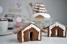 aboutVerena: Zimtkuchen mit Baiserhaube, Lebkuchenhäuschen und ein Giveaway / Cinnamon Cake + Gingerbread House