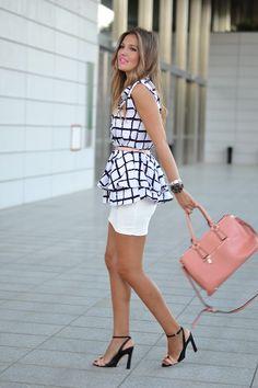 BLACK & WHITE PLAID RUFFLE BLOUSE 2-9-2014 #kissmylook Blusa / Blouse: Sheinside (New) Falda / Skirt: Zara (Old) Sandalias / Sandals: Zara (New Collection)