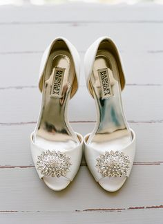 love these sparkly shoes! | Melissa Schollaert #wedding