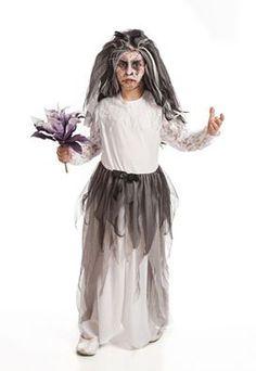 Un trozo de #tejido #sábana y #tela de #tul, y ya tienes disfraz de #halloween, Mucho más sencillo de lo que parece. Este halloween ¡¡¡nadie sin disfraz!!! desde sólo 2,50€/m. Nosotros te asesoramos. (Fuente de la imagen: pinterest.com)
