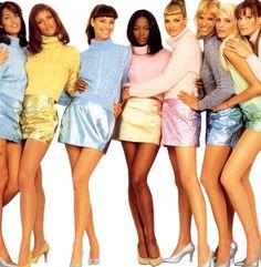 ~Yasmeen Ghauri, Veronica Webb, Christy Turlington, Naomi Campbell, Linda Evangelista, Emma Wiklund, Nadja Auermann, Carla Bruni~ Versace 90s