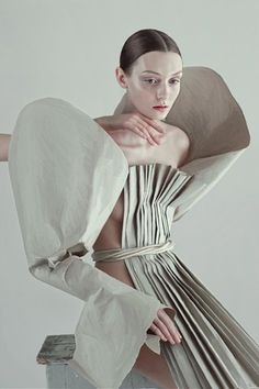Artistic Fashion - pleated paper dress with exaggerated sleeves; sculptural fashion // Ph. Ira Bordo