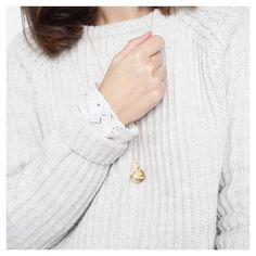 LE PETIT OOTD DU JOUR ✨☁️ #ootd #outfit #outfitpost #outfitoftheday #look #lookoftheday #tenuedujour #douceur #tuesday #february #fevrier #winter #wintertime #hiver #evening #goodevening #metoday #dentelle #cosy #cosyoutfit #cosytime