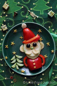 Fruity Santa @ Little Food Junction Appetizers For Kids, Fun Snacks For Kids, Christmas Lunch, Christmas Treats, Santa Christmas, Food Art For Kids, Food Sculpture, Food Crafts, Diy Food