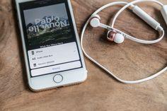 iphone 7 with wireless earphones sudio sweden http://bitedelite.pl/recenzje/sluchawki-sudio/