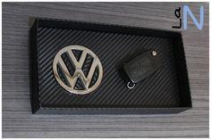 Vacia bolsillos VW look carbono 100% DIY y reciclado. Mira cómo se hace en el blog: http://laneuronadelmanitas.blogspot.com.es/2016/01/vaciabolsillos-vw-look-carbono.html