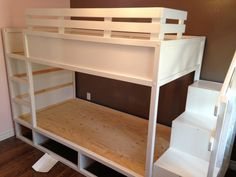No tutorial / no webpage: just a photo. IKEA Kura lifted and made into a bunk bed, plus room for under-bed storage Bunk Beds With Stairs, Kids Bunk Beds, Bed Stairs, Ikea Kids Room, Kids Bedroom, Master Bedroom, Kura Cama Ikea, Ikea Mydal, Ikea Kura Hack