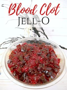 How to make gruesome blood clot Jello for Halloween. An easy Halloween dessert that doesn't require any special equipment. Care Skin Condition and Treatment Oil Makeup Halloween Dessert Table, Halloween Desserts, Christmas Desserts, Easy Halloween, Halloween Treats, Halloween Decorations, Halloween 2020, Halloween Party, Jello Desserts