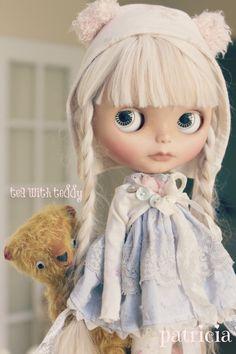 "Tea with Teddy ""Henriette Jardin"""