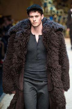 Mens Winter Coat, Winter Jackets, Winter Coats, Fall Winter, Black Pea Coats, Mens Fur, Gents Fashion, Fur Clothing, Cyberpunk Fashion