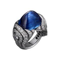 Anello di Alta Gioielleria Alta Gioielleria <br />Cartier Royal <br />Anello - platino, uno zaffiro Ceylon taglio Sugar Loaf (22,75 carati), diamanti taglio brillante.