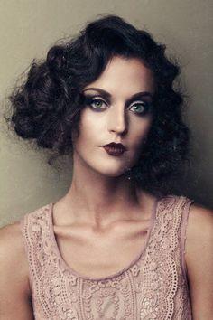 Three Nails Photography – galleries – portfolio – fashion - All For Wedding Hair Style Gatsby Hair, 1920s Hair, Vintage Hairstyles, Wedding Hairstyles, Flapper Hairstyles, Flapper Makeup, 1920s Makeup Gatsby, Roaring 20s Makeup, Three Nails Photography