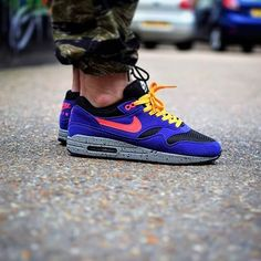 Funky Saturday with these flashy Nike Airmax 1 ID's. Wild cw, seen @crepecity! #nikeam1 #airmax1 #airmaxone #airmaxcity