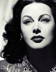 Hedy Lamarr, old Hollywood glamour and scientist. Old Hollywood Stars, Hollywood Icons, Old Hollywood Glamour, Golden Age Of Hollywood, Vintage Hollywood, Hollywood Actresses, Classic Hollywood, Classic Actresses, Old Movie Stars