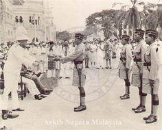 The first four officers of Malay Regiment Tunku Abdul Rahman, Malayan Emergency, National Football Teams, Asian History, British Army, Cafe Design, Kuala Lumpur, Historical Photos, World War Ii