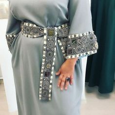 Костюм (юбка и блуза) из тонко